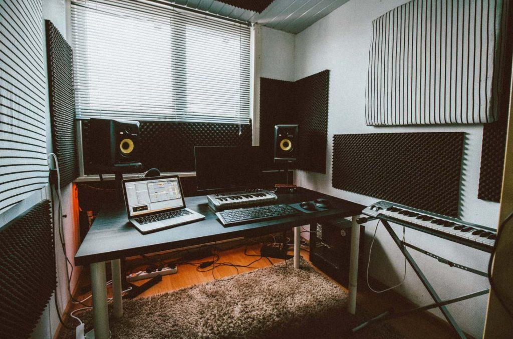 Un Home Studio Pour Moins De 400 Euros Spinnup