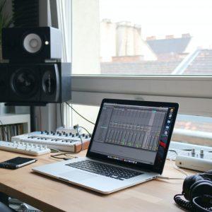Ableton Live | 直感を損なわず、MIDIの可能性を最大限に引き出すDAW